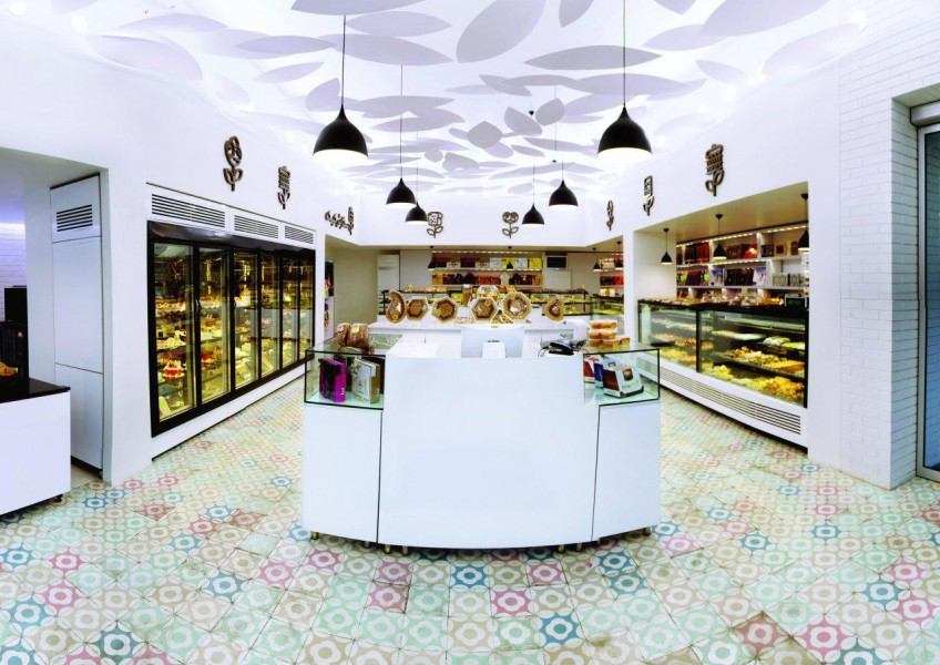 افتتاح فروشگاه جدید قنادی ناتلی (فلکه اول تهرانپارس)