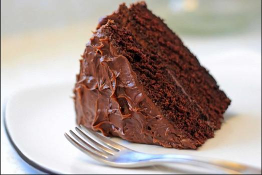 طرز تهیه کیک شکلاتی بدون بیکینگ پودر