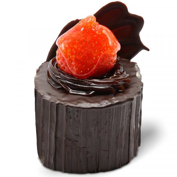 رولت شکلاتی با توت فرنگی