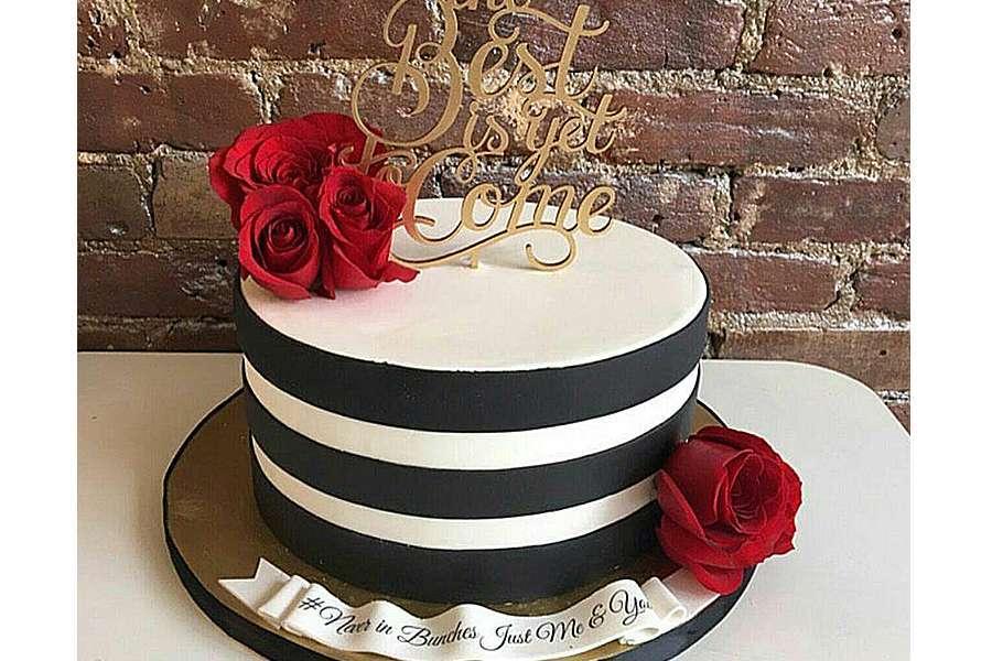 کیک عروسی کیارا