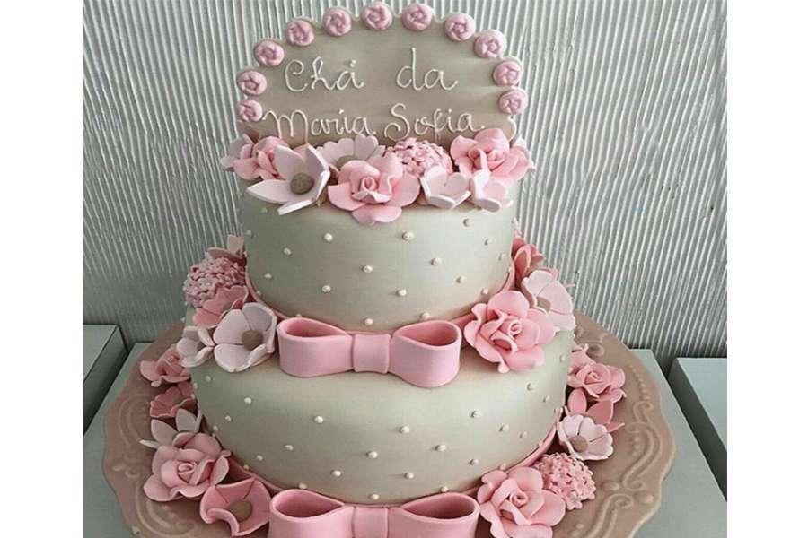 کیک عروسی پاپیون صورتی