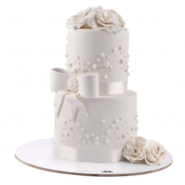کیک پاپیون سفید