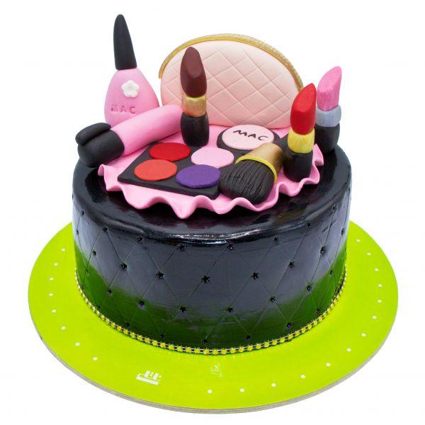 کیک تولد دخترانه  لوازم آرایشی 1