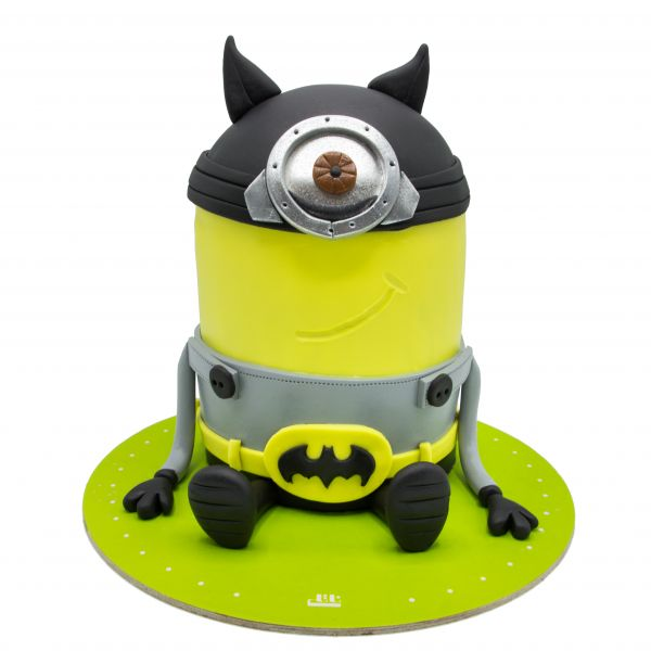 کیک مینیون کلاه خود دار