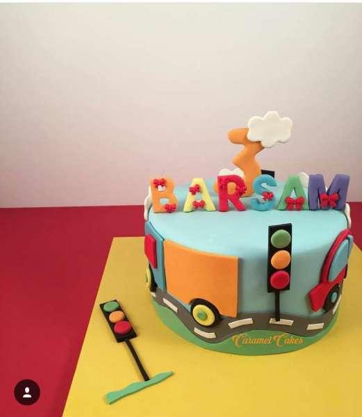 کیک تولد پسرانه ماشین 1