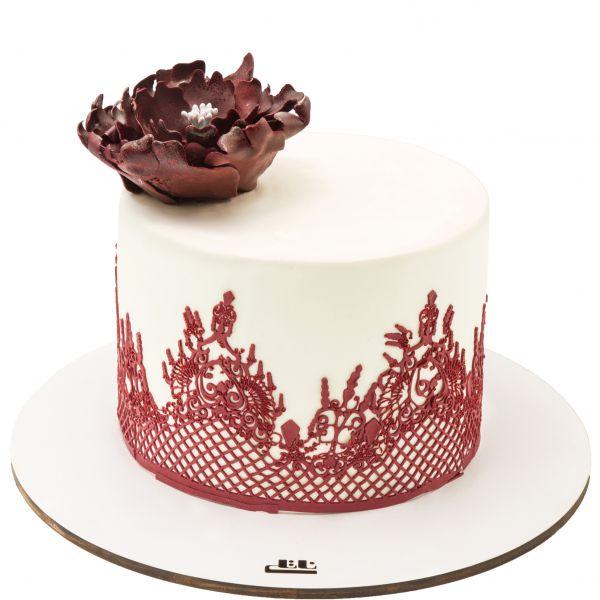 کیک تولد دخترانه گل زرشکی