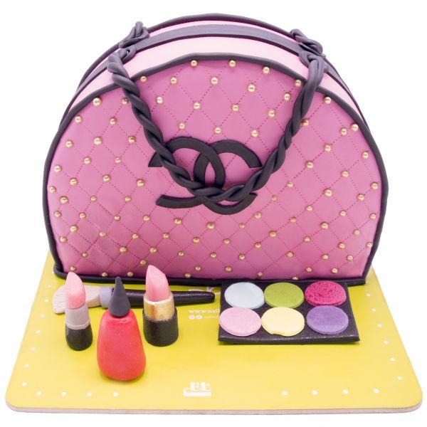 کیک تولد دخترانه کیف آرایشی شنل 2