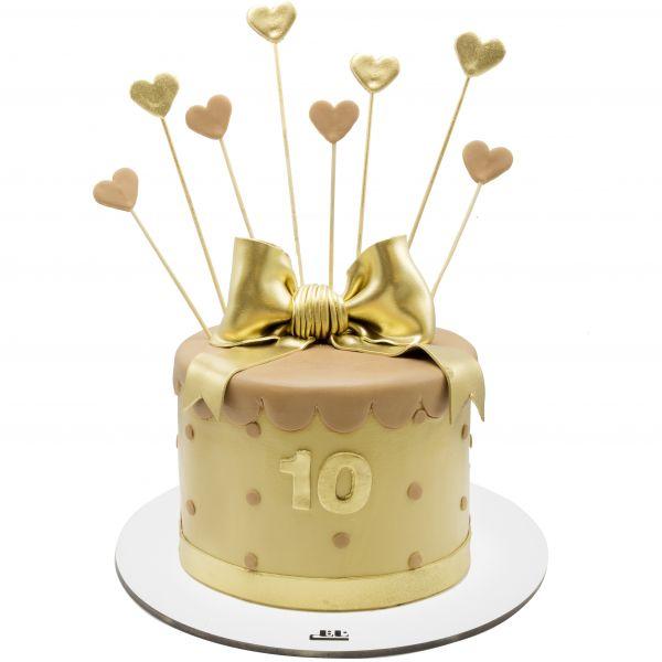 کیک تولد دخترانه قلب طلایی