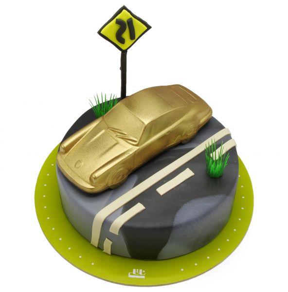 کیک تولد ماشین طلایی