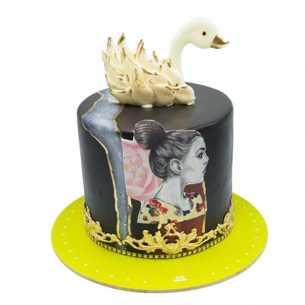 کیک قو سفید