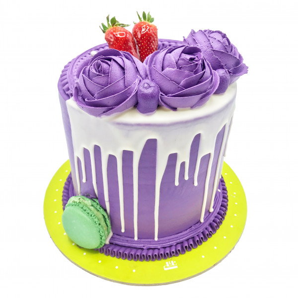 کیک رز بنفش و توت فرنگی