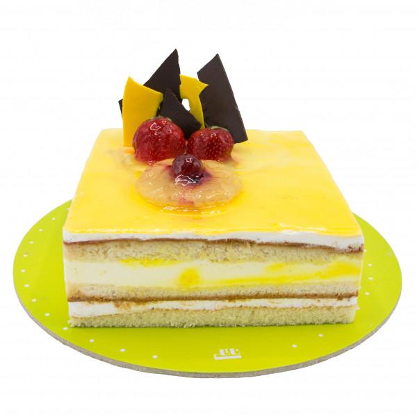 کیک هلو لاکچری
