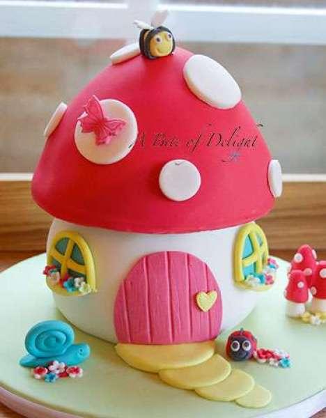 کیک تولد دخترانه قارچ