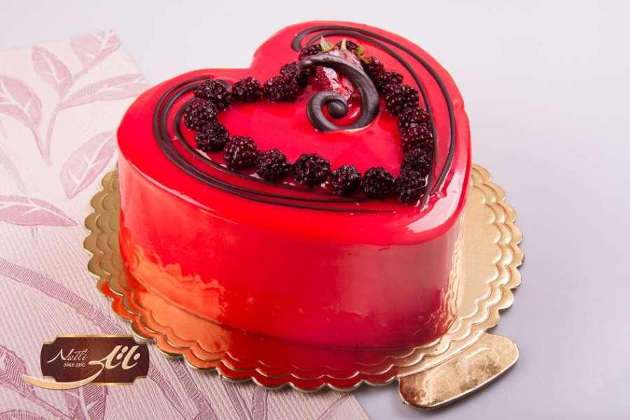 کیک بستنی توتفرنگی قلبی