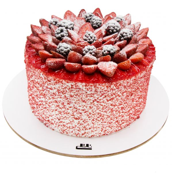 کیک توت فرنگی فانتزی