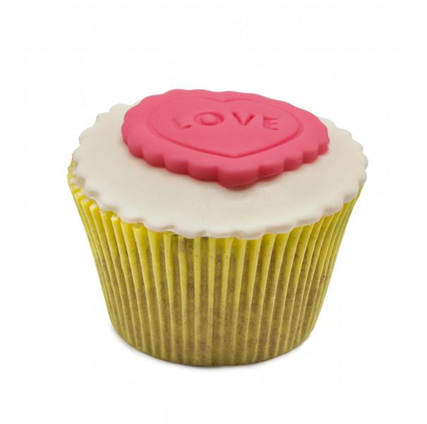 کاپ کیک قلب لاو