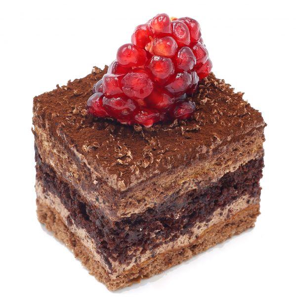 شیرینی تر شکلاتی با انار