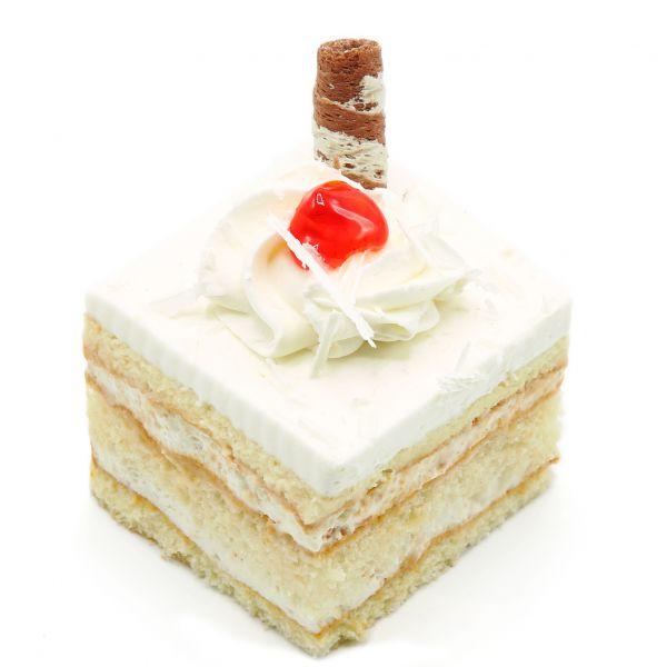 شیرینی تر وانیلی مربعی