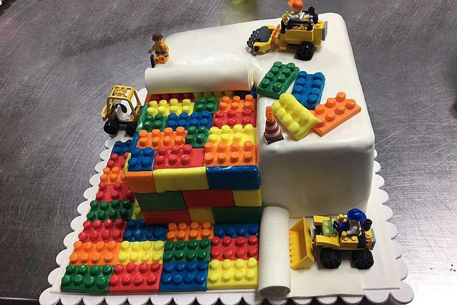 کیک تولد لگو 2
