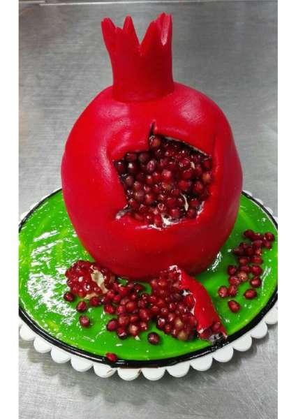 کیک انار یلدایی