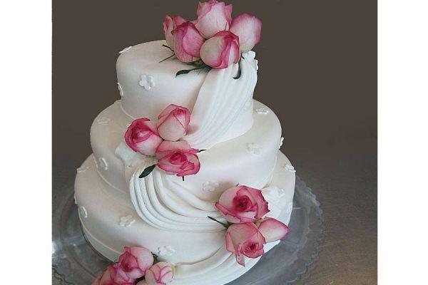 کیک عروسی نسیم