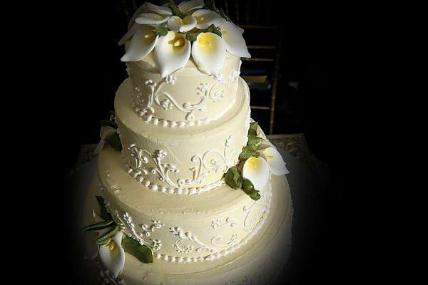 کیک عروسی خامه ای AK08