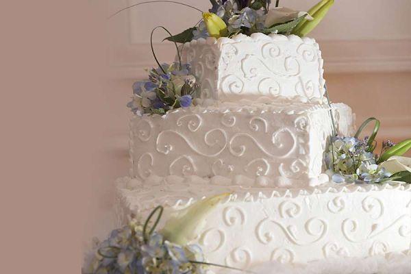 کیک عروسی خامه ای