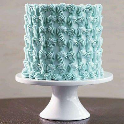 کیک تولد خامه ای لاجورد