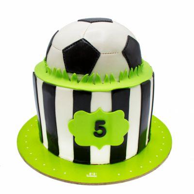 کیک تولد پسرانه توپ فوتبال در چمن