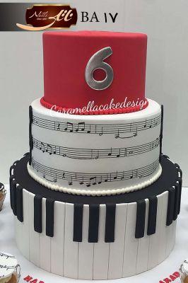 کیک تولد موسیقی
