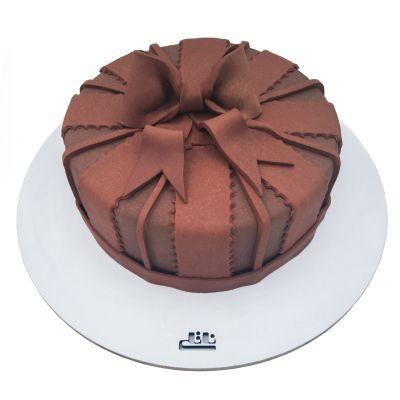 کیک تولد پاپیون شکلاتی