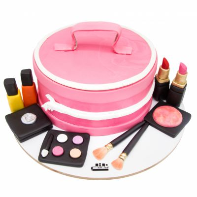 کیک تولد دخترانه  لوازم آرایشی 5