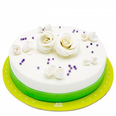 کیک تولد گل های رز سفید