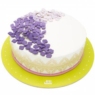 کیک تولد دخترانه وانیلی اطلس