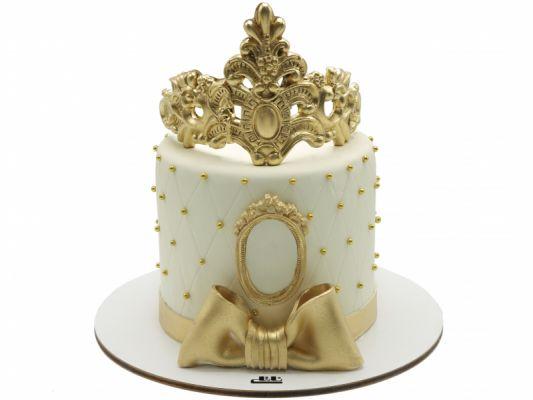 کیک تولد دخترانه تاج ملکه