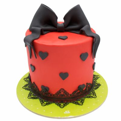 کیک قلب و پاپیون