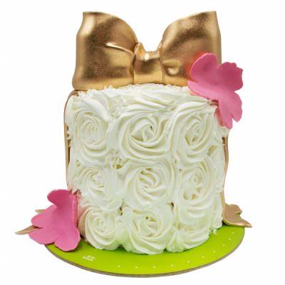 کیک تولد خامه ای رز وانیل 4
