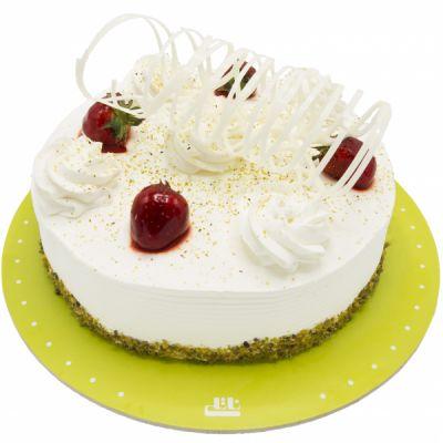 کیک خامه ای وانیلی دلسا توت فرنگی