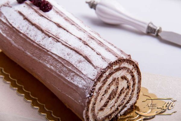 Raspberry Swiss Roll C52