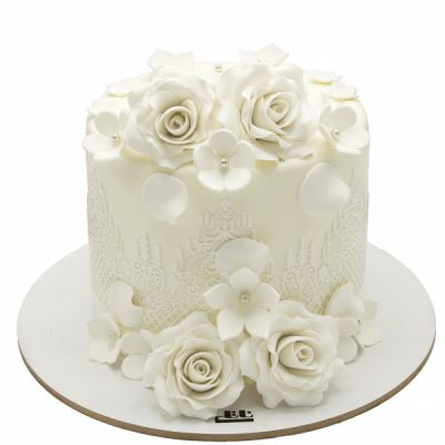 کیک تولد دخترانه رز سفید 2