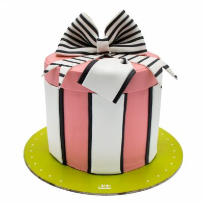 کیک تولد دخترانه یاسمین