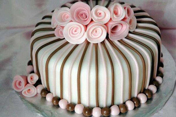 کیک تولد دخترانه رز صورتی 4