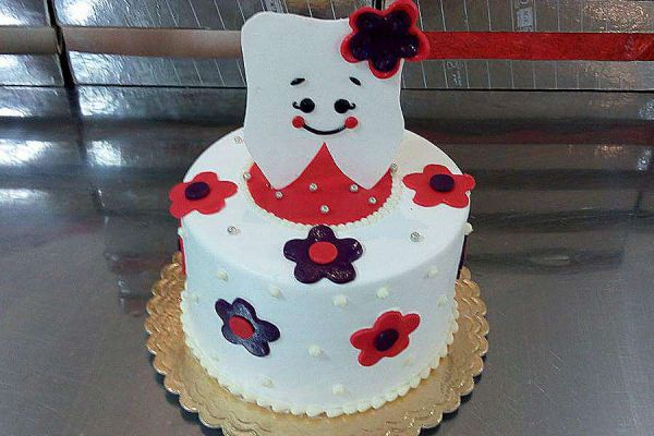 کیک دندونی خوشحال