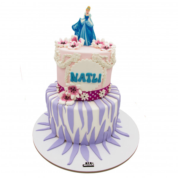 کیک تولد دخترانه سیندرلا 1