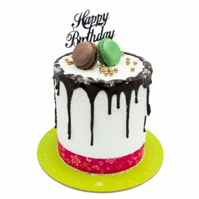 کیک نارگیلی و ماکارون