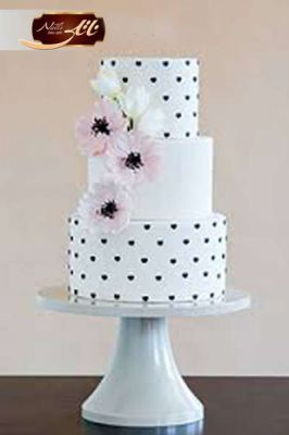 کیک عروسی خال خالی