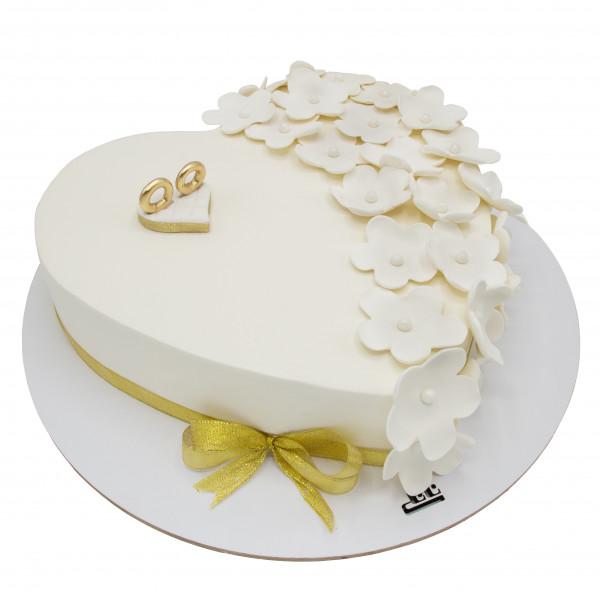 کیک عروسی قلب سفید