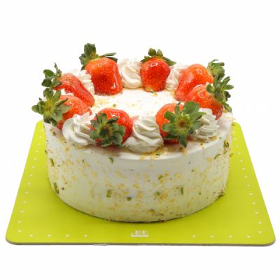 کیک وانیلی توت فرنگی