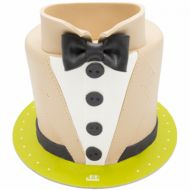 کیک تولد پسرانه پاپیون و پیراهن کرم