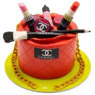 کیک تولد دخترانه لوازم آرایشی شنل